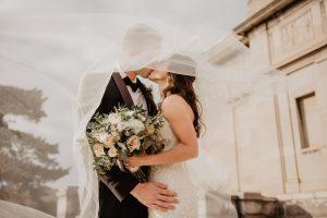 Wymiana ślubów: Porady i sztuczki dotyczące planowania ślubu